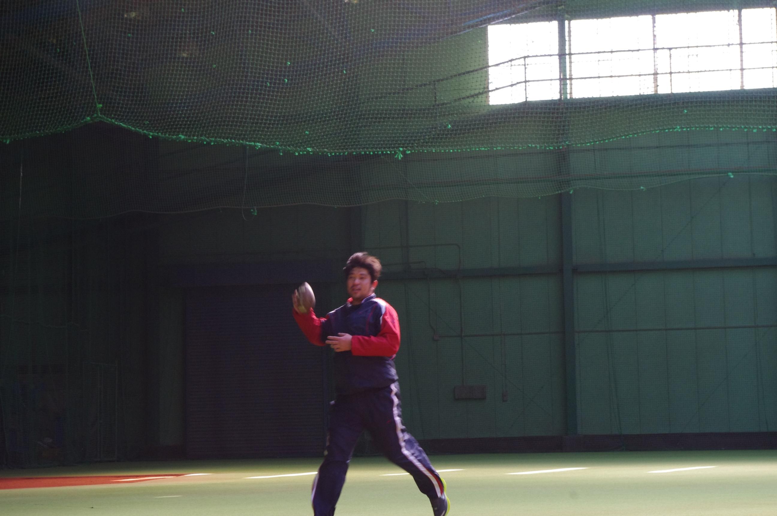 野茂英雄さん フットボールキャッチ