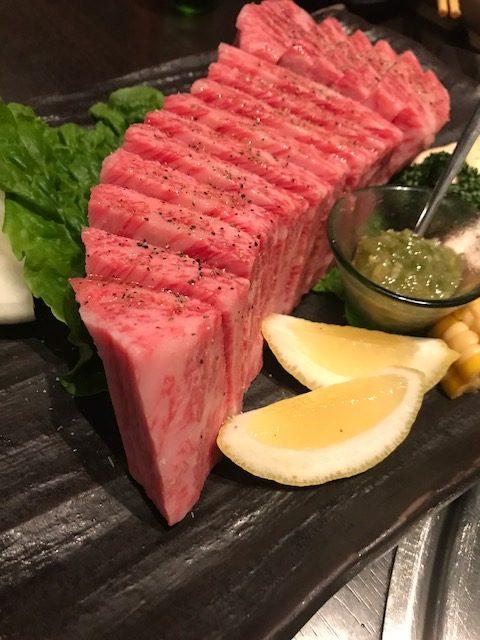 太田屋湊川店の 厚切りステーキ