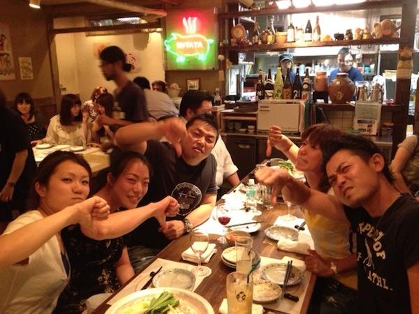 諸藤将次プロ、井上希プロとストロングストレーナー達となぜか? ブーイングのポーズ